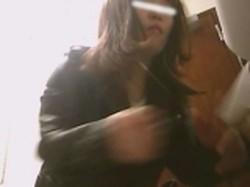 【投稿作品】 女子トイレ盗撮~某ファミレス編~vol.15 某ファミレスの女子トイレに潜入し、際どいアングルからの撮影に成功!?