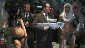 Alektra Blue, India Summer, Jessica Drake, Kaylani Lei, Misty Stone - Men In Black A Hardcore Parody sc7, 2012, HD, 720p