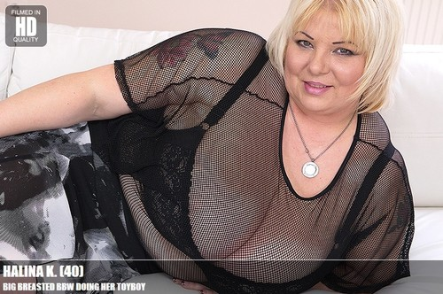 Halina K. (40) – Big breasted BBW Milf doing her toyboy FullHD 1080p