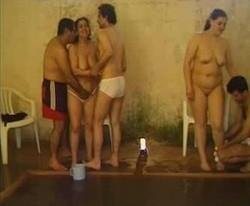 حصرى حفلة نيك كلة شغال فى بعض واجمل نيك على حمام السباحة