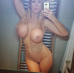 amazon nude Tania