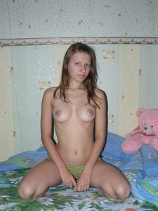 http://img114.imagetwist.com/th/21968/lian5s71dhb7.jpg