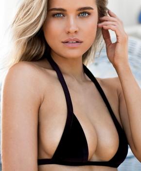 Sofia Vespe  nackt