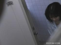vol.12 命がけ潜伏洗面所! ツイてるね♥