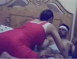 الشرموطه راكبه على عشيقها تقوله انا هخلع بس براحه وكيفته واهات مولعه حصرى