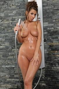 Lizzie Ryan - The Wet Shirt a6rsa6tifs.jpg