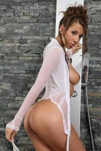 Lizzie Ryan - The Wet Shirt  t6rsa5gb71.jpg