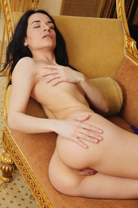 Irida-Golden-Dreams--r6rrq1o5m3.jpg