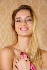 Danica Blossom  56rss6m3l6.jpg