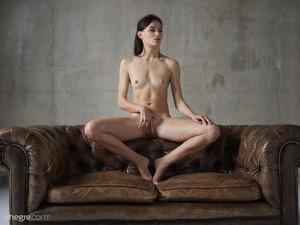 Grace - Erotic Exploration  76rsphp7hy.jpg