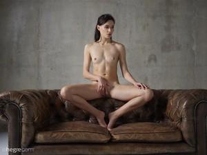 Grace - Erotic Exploration  e6rsphoudl.jpg