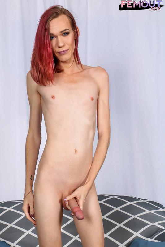Gorgeous Redhead Crystal Thayer! (14 February 2018)