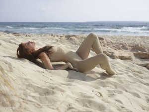 Jenna-Beach-Nudes-02-16-46js1wapp5.jpg