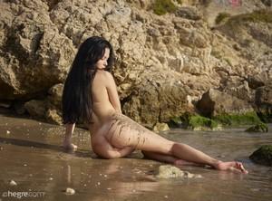 Belle - Nude Beach  l6rnj0i4s3.jpg