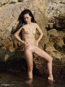 Belle-Nude-Beach--26ubcrl6r3.jpg