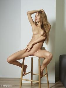 Jolie-Nude-Portraits--w6v0ir2n6b.jpg