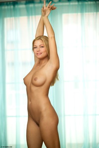 Adriana-Blonde-Passion--56sd8javu5.jpg