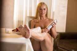 Sarika-A-Sweet-Feet-1-26wa3e7nr0.jpg