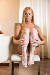 Sarika-A-Sweet-Feet-1-36s9po5my5.jpg