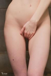 Bella-Y-Hot-Shower--g6sml26ejq.jpg