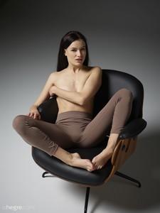 Grace-Sitting--w6sx76wtz6.jpg