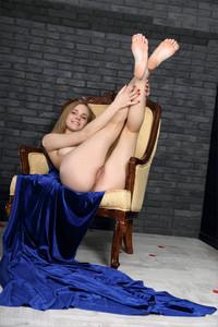 Carolina-Mademoiselle-Bleu--z6tbcwlly4.jpg