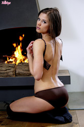 TW15TY5 - Caprice - Cozy By The Fire Place z6ofsqpy54.jpg